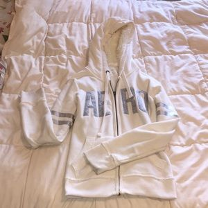 Aéro White Zip-Up with Fluffy Hood